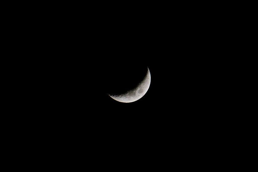 Crescent moon, March 24, 2015; f/6.3, 1/100, ISO 400.